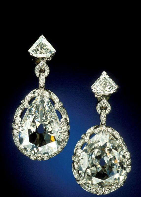 Украшения с танцующими бриллиантами