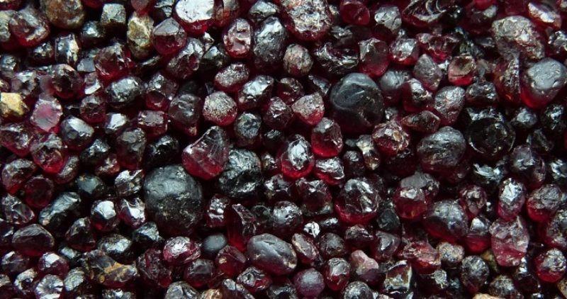 Гранат: свойства камня и интересные факты