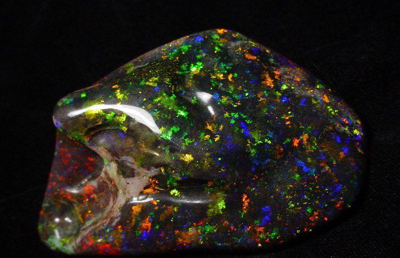 Все о камнях: огненный опал и его свойства