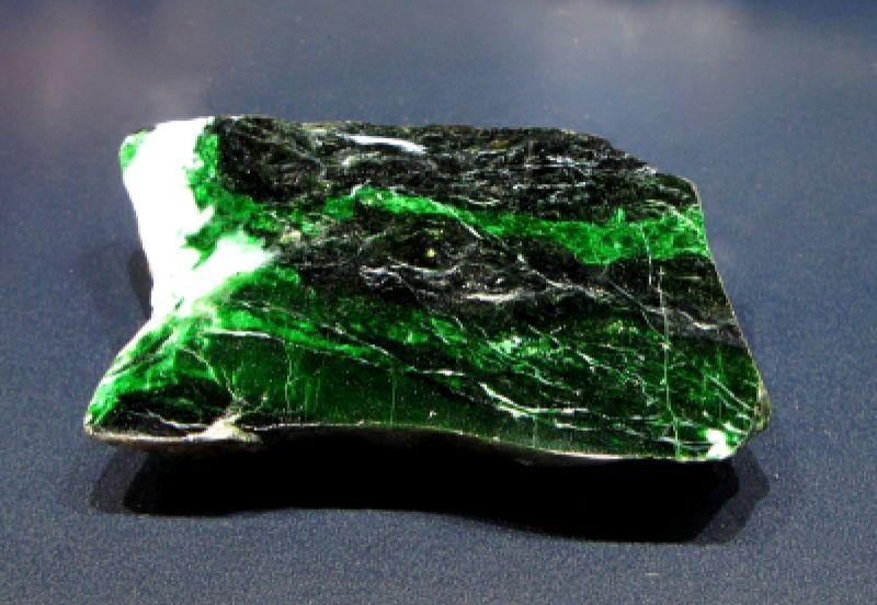 О чем расскажет камень нефрит?