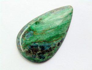 Драгоценный и поделочный зеленый камень