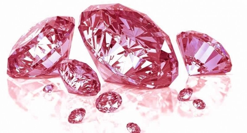 Розовый камень