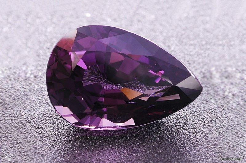 История и магические свойства камня тааффеит