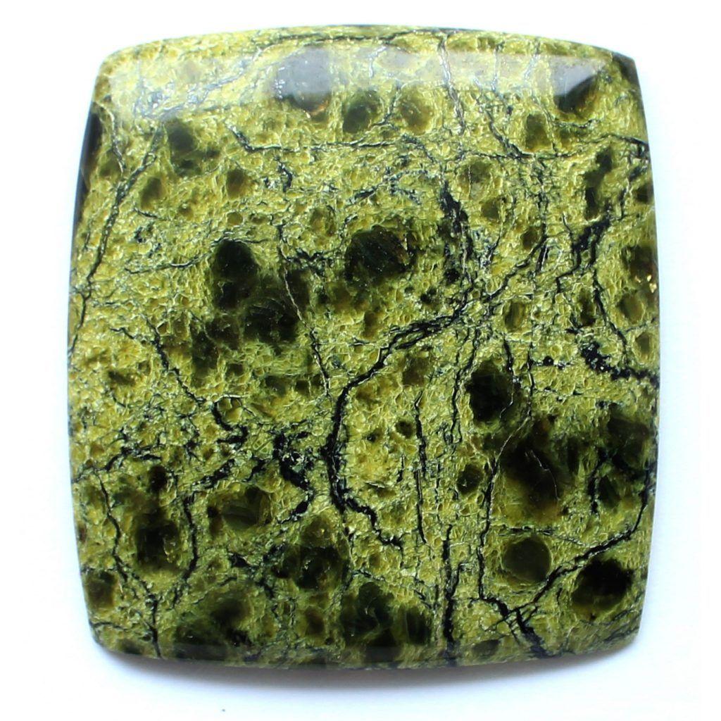 Камень змеевик фото свойства и значение