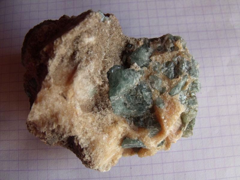 Камень апатит: применение и свойства