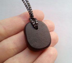 Камень гагат