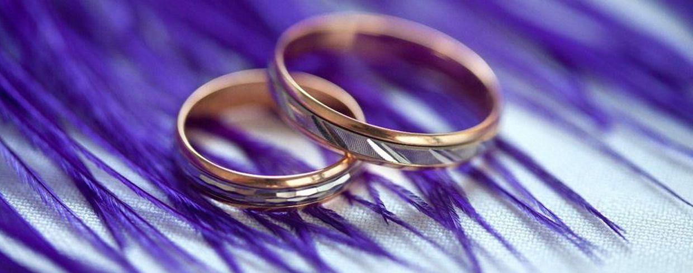 Можно ли носить чужое обручальное кольцо — что делать с подаренными обручальными кольцами родителей или супруга?