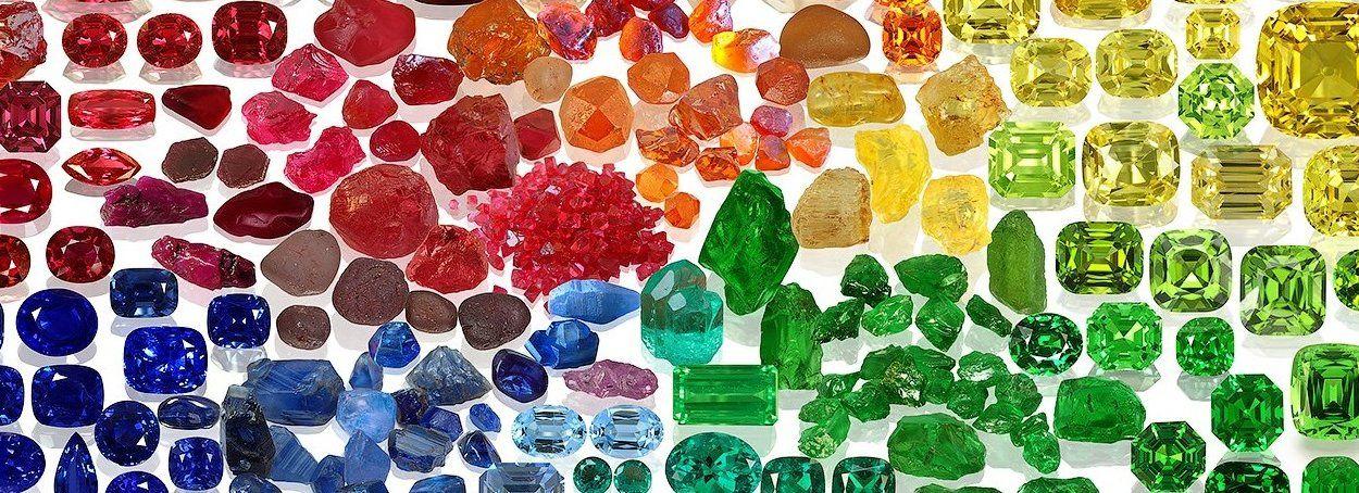 Какие бывают драгоценные камни: названия, классификация, свойства и рейтинг лучших