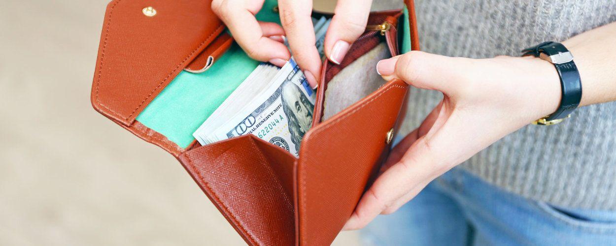 Талисман в кошелек для привлечения денег: денежные обереги и амулеты