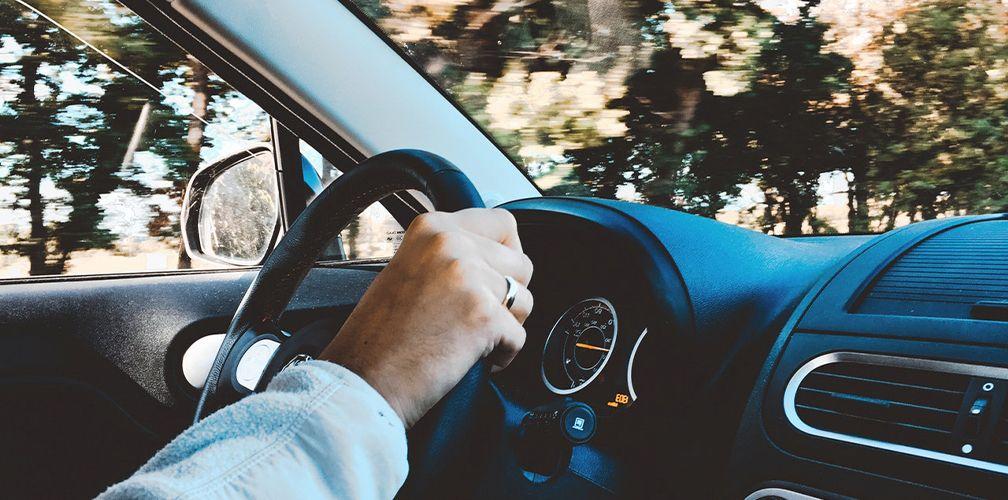 Как выбрать или сделать оберег в машину для водителя своими руками