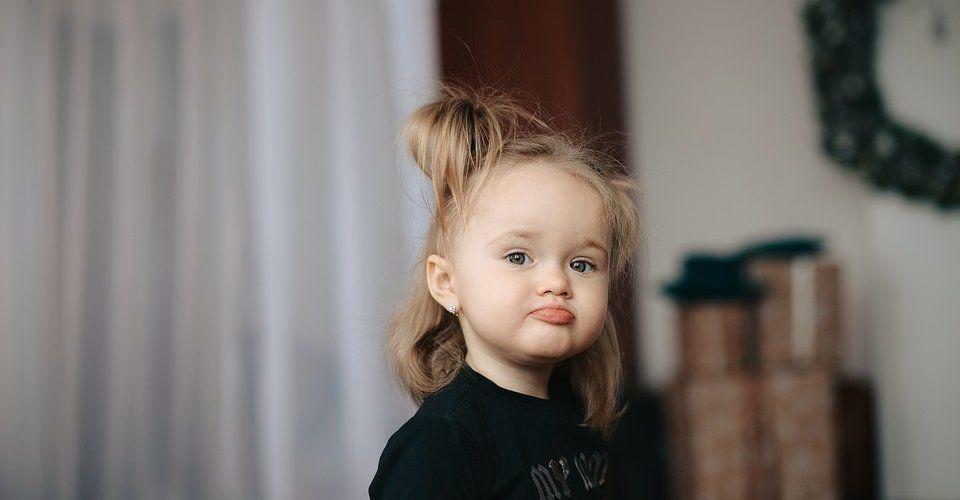 Как выбрать сережки для маленького ребенка: серьги для девочек от 1 года