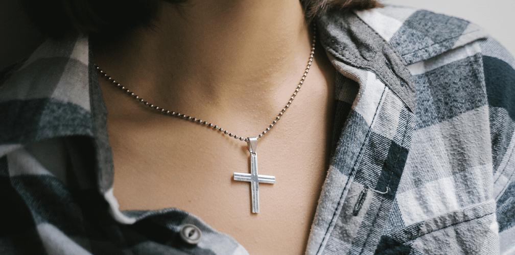Как почистить серебряный крестик: эффективные способы